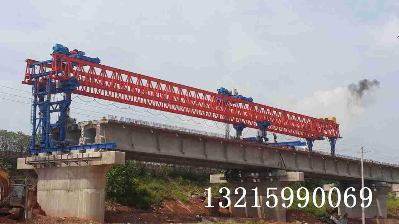 甘肃兰州铁路架桥机出租公司介绍旋臂吊起重机的作用